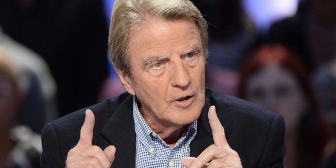 """Former French minister of Foreign Affairs Bernard Kouchner takes part in the TV broadcast of the show """"Le Grand Journal"""" as part of the 30th anniversary of French channel Canal Plus on November 4, 2014 in Paris. AFP PHOTO / BERTRAND GUAY        (Photo credit should read BERTRAND GUAY/AFP/Getty Images)"""